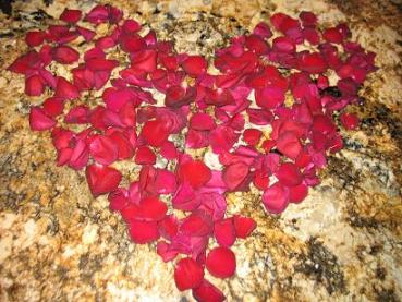 Valentine-Day-heart-made-of-Rose-Petals