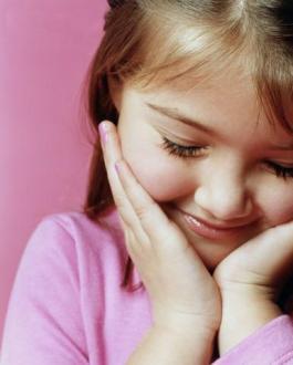 little-girl-smiling_5fvfm_13156